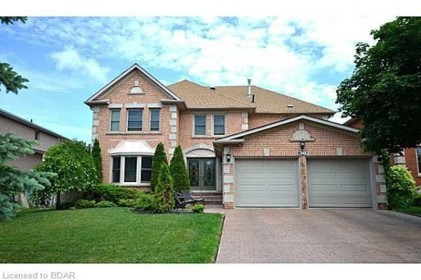 30 Falling Brook Dr, Barrie