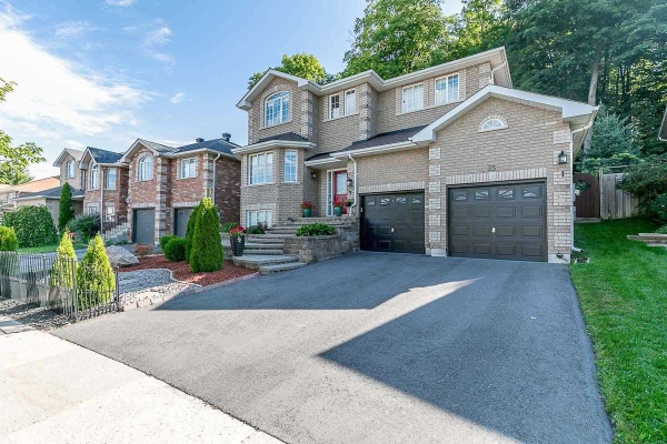 35 Bloom Cres, Barrie