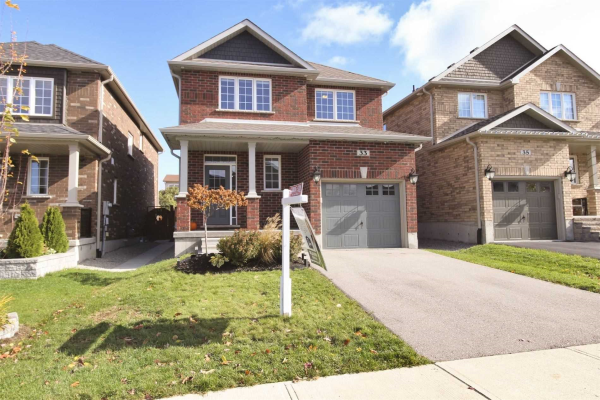 33 Nathan Cres, Barrie