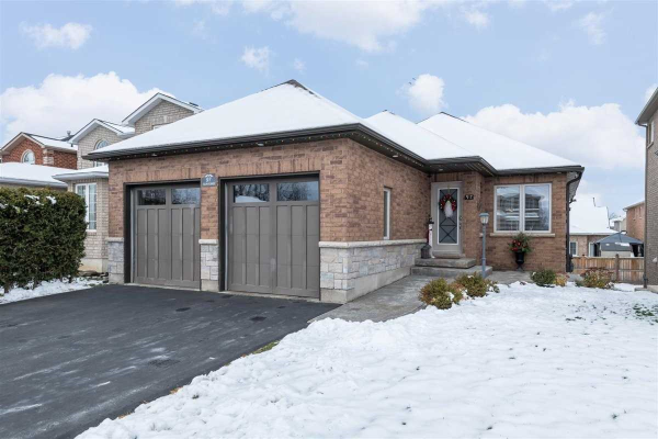 97 Sun King Cres, Barrie