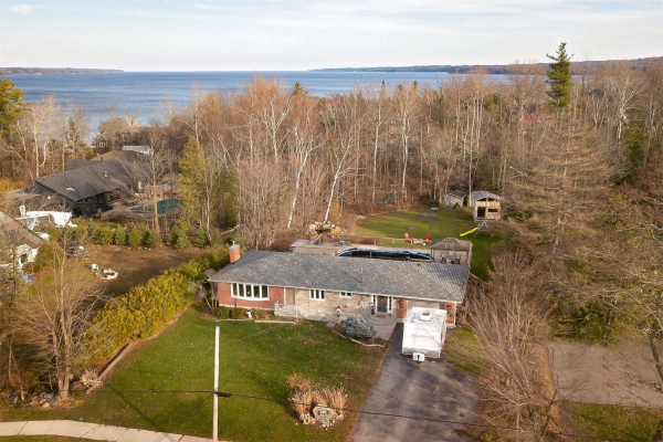 399 Cox Mill Rd, Barrie