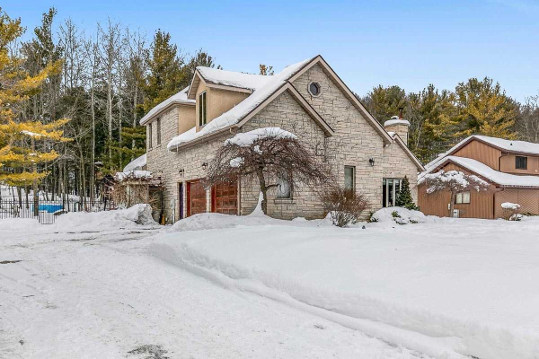 52 Kelley Cres, Wasaga Beach