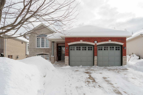 9 Meadowood Dr, Wasaga Beach