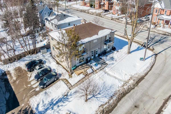 124 Maple Ave, Barrie