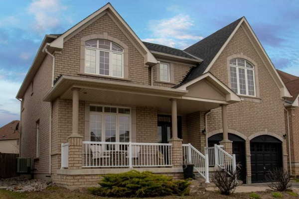 168 The Queensway, Barrie