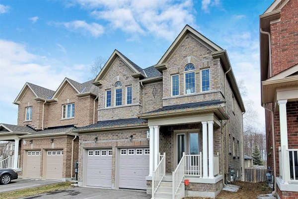 68 White Cres, Barrie