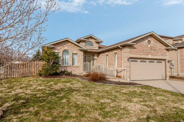2 Wismer Ave, Barrie