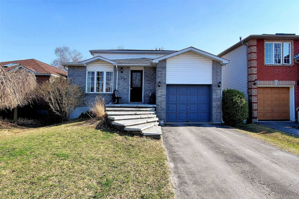 32 Whitehorn Cres, Barrie