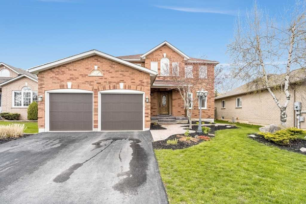 8 Emms Dr, Barrie