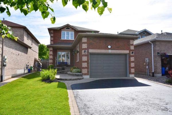 47 Lamont Cres, Barrie