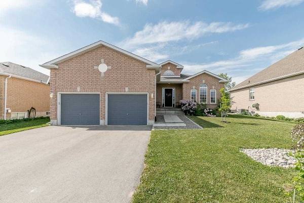 8 Whitfield Cres, Springwater