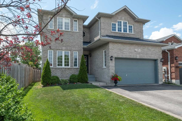 50 Lamont Cres, Barrie