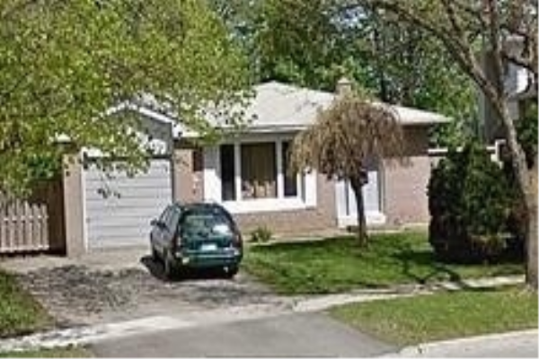 71 College St, Barrie
