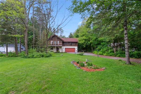 50 Cathedral Pines Rd, Oro-Medonte