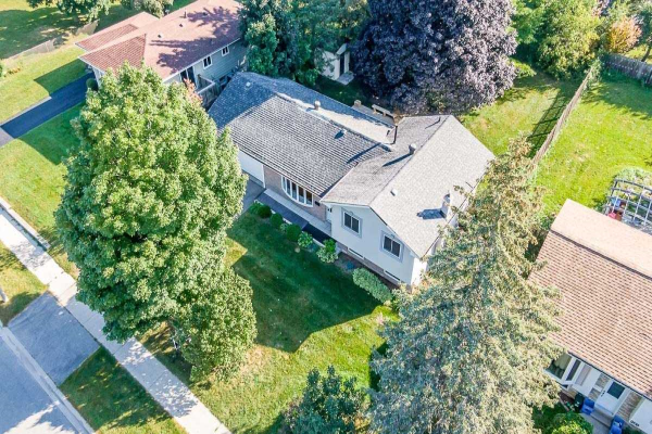 206 Pine Dr, Barrie