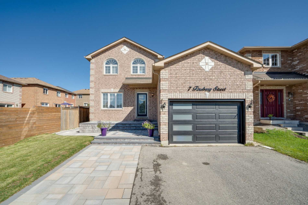 7 Finsbury St, Barrie