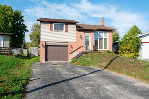 122 Hickling Tr, Barrie