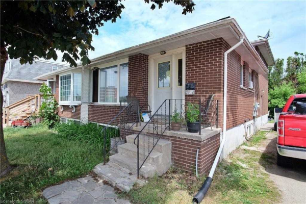 423 Ontario St, Collingwood