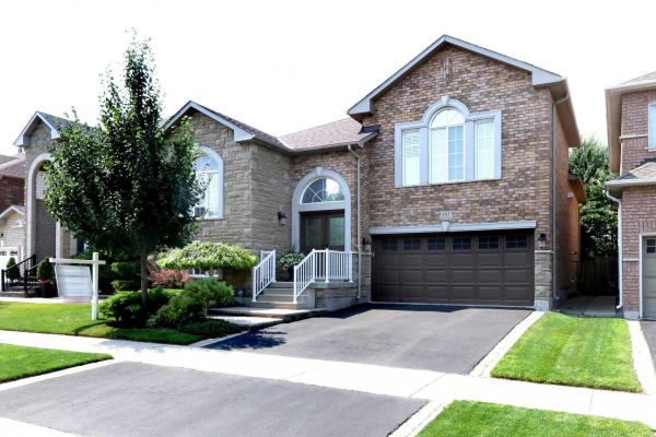 481 Thistle Glen Lane, Oakville
