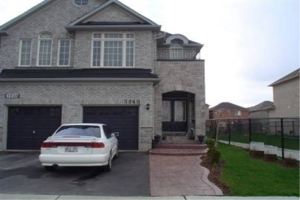 3940 Lacman Terr Terr, Mississauga
