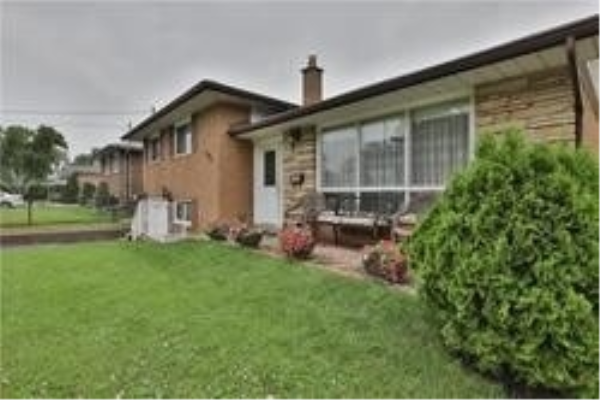 575 Pinegrove Rd, Oakville
