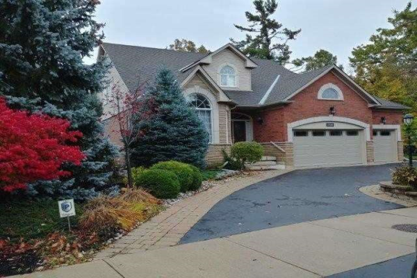 2320 Woodridge Way, Oakville