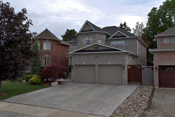 36 Strawberry Hill Crt, Caledon