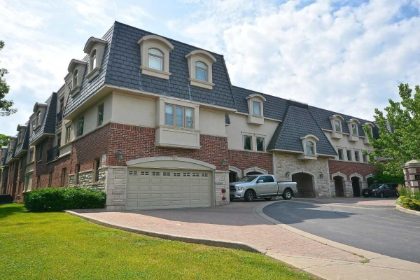 390 Upper Middle Rd, Oakville