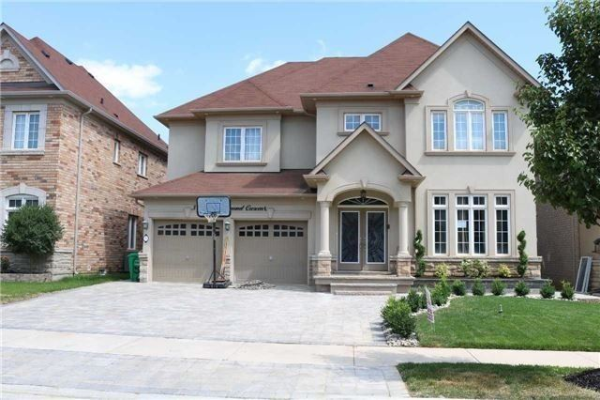 5 Black Diamond Cres, Brampton