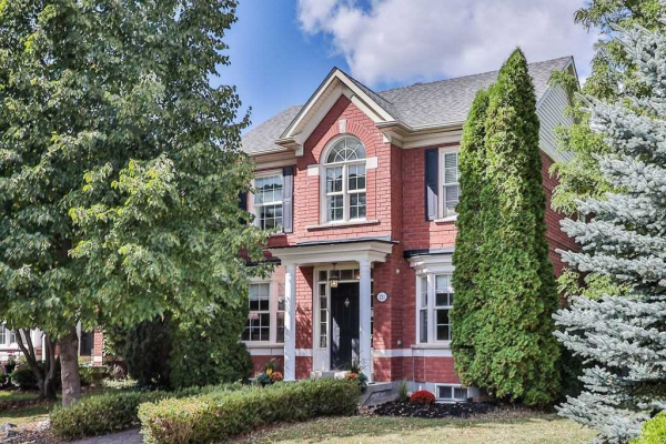 211 Lexington Rd, Oakville