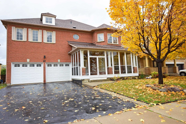 87 Mint Leaf Blvd, Brampton