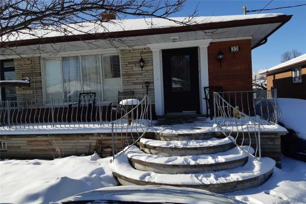 32 Grampian Cres, Toronto