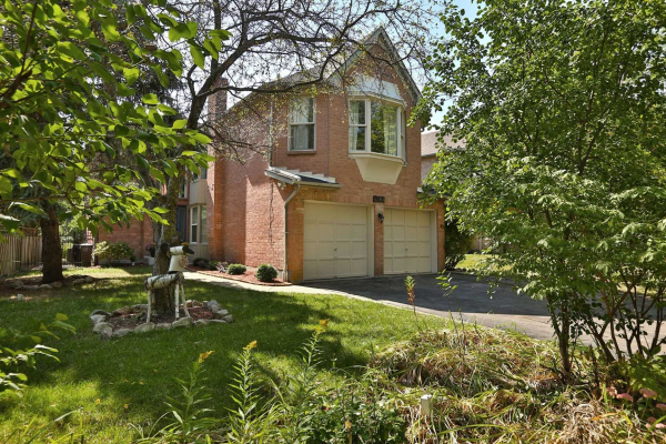 4584 Glastonbury Pl, Mississauga