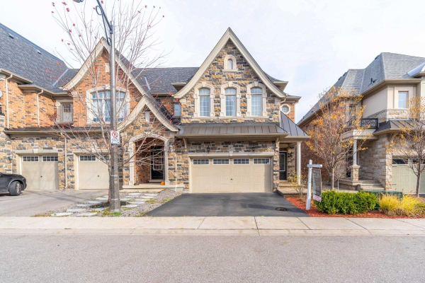 2477 Thornfield Common, Oakville