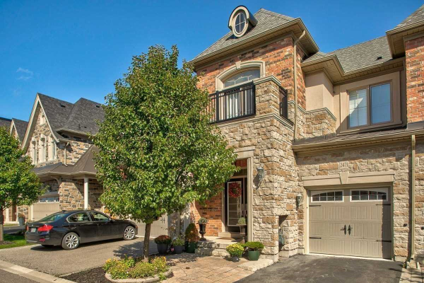 2471 Village Common, Oakville