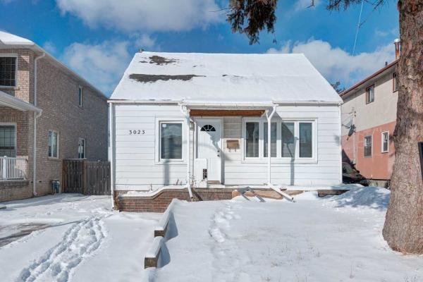 3023 Churchill Ave, Mississauga