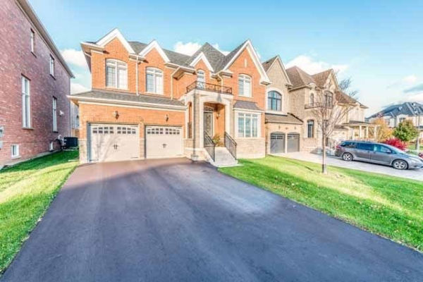 11 Royal West Dr, Brampton