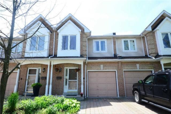 1176 Upper Village Dr, Mississauga