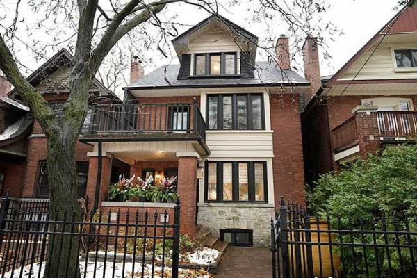 140 Quebec Ave, Toronto