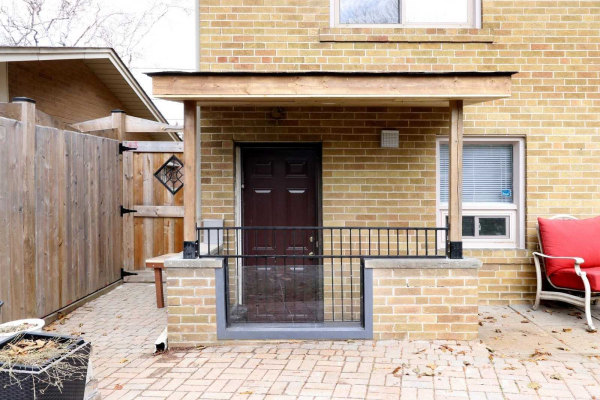 1366 Kendall Rd, Mississauga