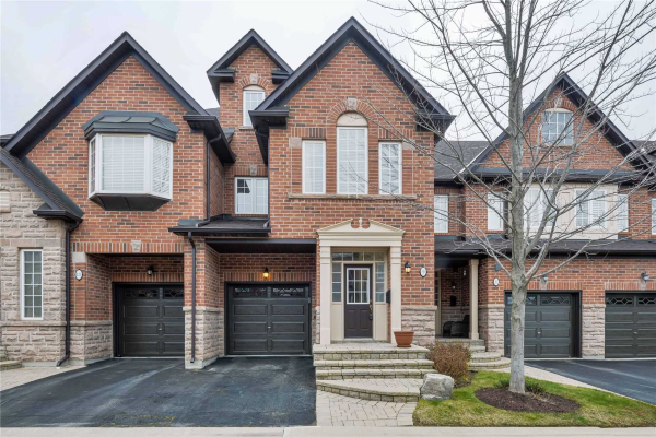 300 Ravineview Way, Oakville