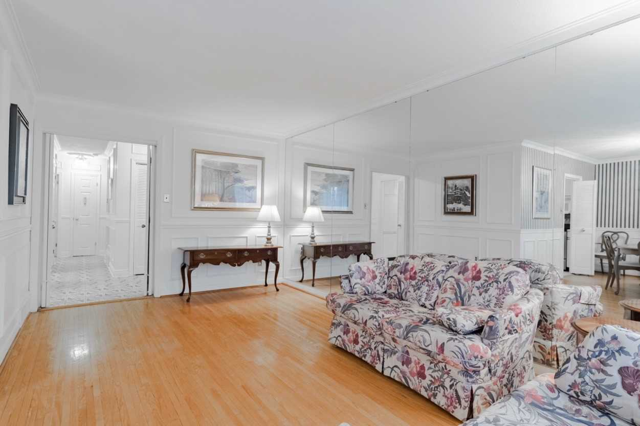 Listing W4645184 - Thumbmnail Photo # 7