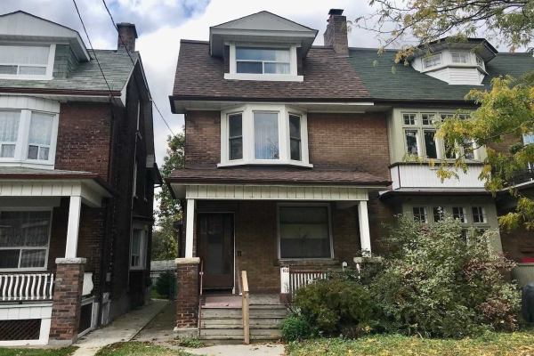 102 Roncesvalles Ave, Toronto