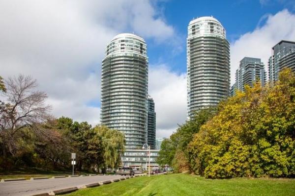 2240 Lakeshore Blvd W, Toronto
