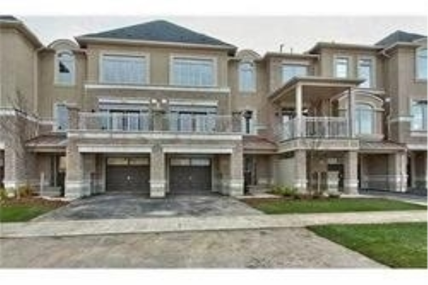 2554 Grand Oak Tr, Oakville