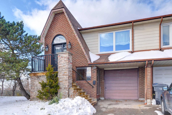 56 Buckland Way, Brampton