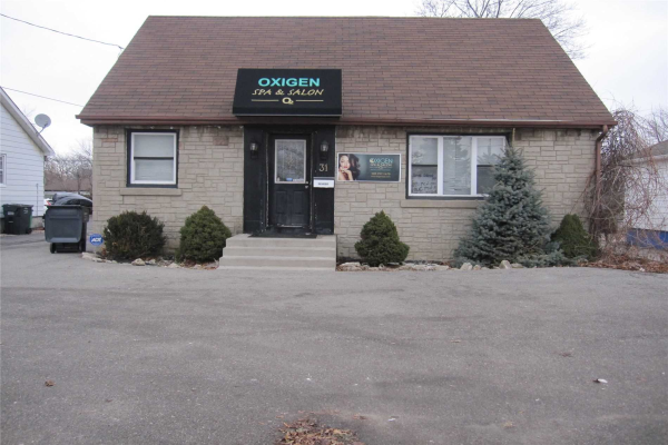 31 Queen St S, Mississauga
