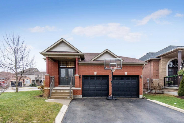 3 Callaghan Cres