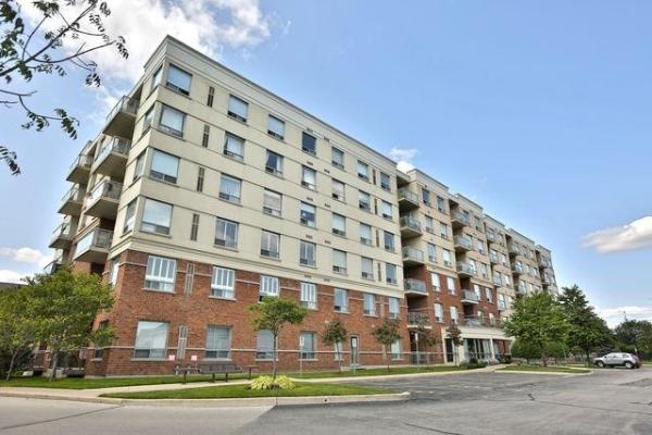 5070 Fairview St, Burlington