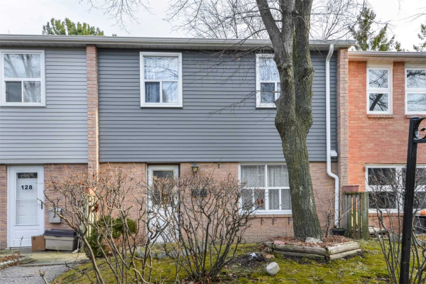 1050 Shawnmarr Rd, Mississauga